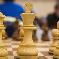 Grão-mestre de xadrez de 16 anos do Irã quer mudar a nacionalidade para jogar contra israelenses