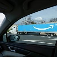 Amazon oferece trabalho permanente a 125.000 trabalhadores temporários