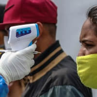 Médicos e enfermeiras protestam por vacinas contra Covid-19 na Venezuela