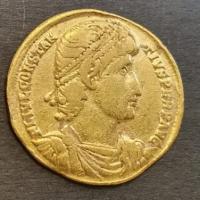 Tesouro de ouro da Idade do Ferro descoberto na Dinamarca