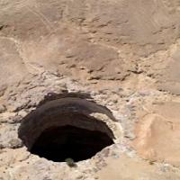 Especialistas descem 'Poço do Inferno' no Iêmen pela 1ª vez